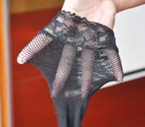 女人的丝袜除了可以征服男人,原来还可以.........