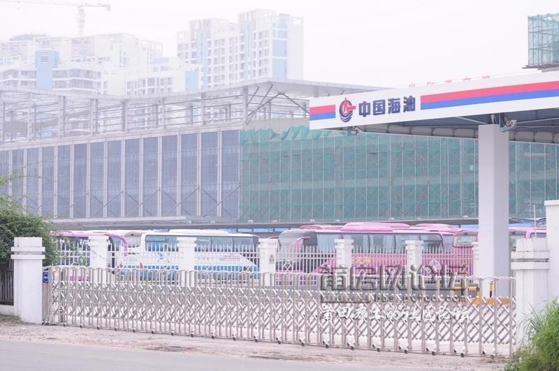 首发:新车站旁,中国海油加油站霸气侧漏!