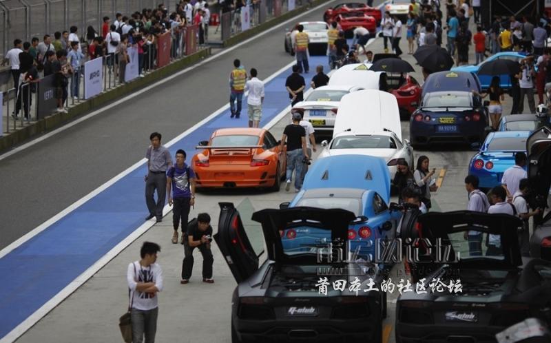 极速上海 端午节近500辆豪车云集