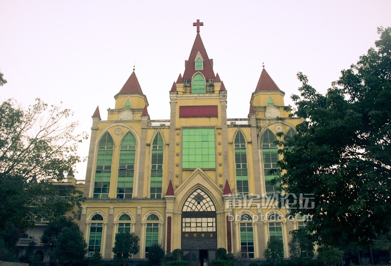 色彩莆田:真耶稣教会莆田城关教堂,哈利路亚(铂金色的光芒)