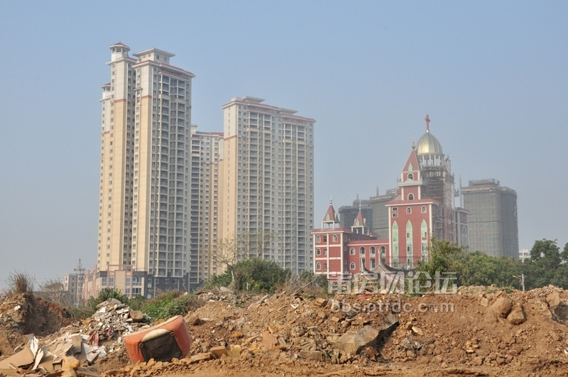 施工中的大楼远景