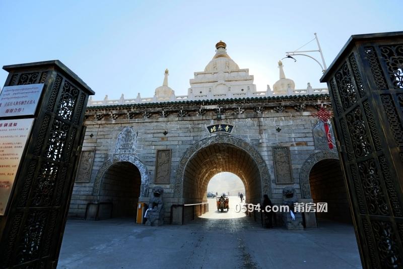 青海省塔尔寺-达赖,班禅进行宗教活动的地方