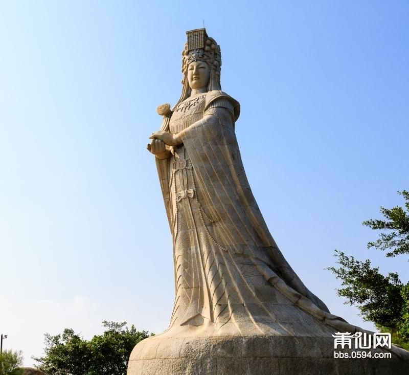 湄洲岛标志性妈祖女神像