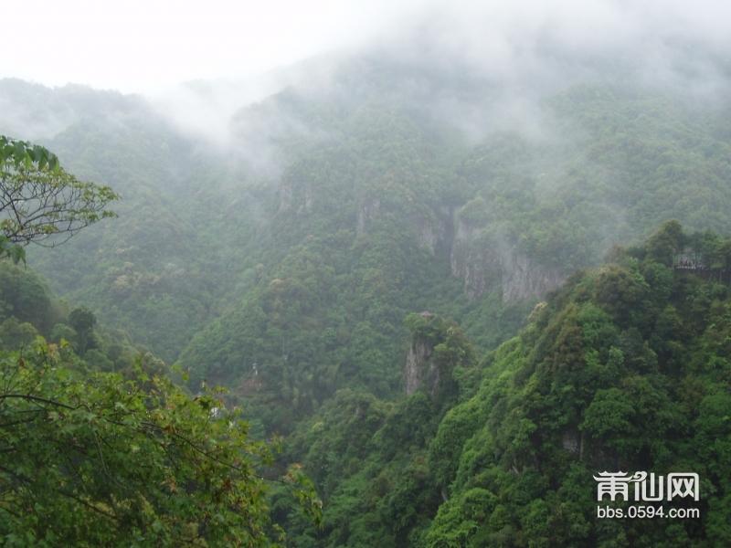青云山风景名胜区      永泰青云山风景名胜区位于距福建省永泰县岭路