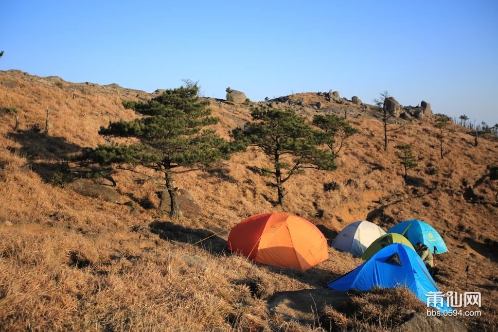 每次外出露营个人很喜欢拍摄一部分带有帐篷的照片,下午播放几张帐篷的作品,当天天气不错很给力,拍摄出来 ...