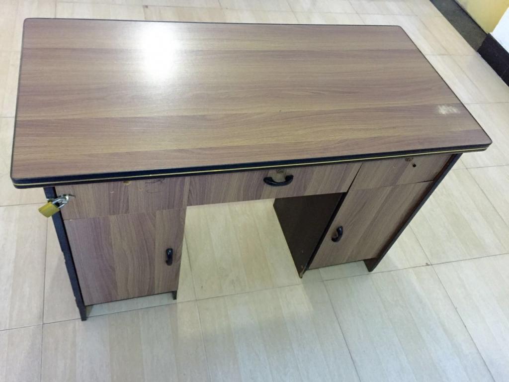 办公桌120cmX60cm.jpg