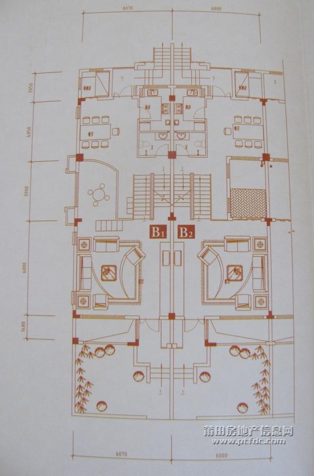 欧氏领秀别墅户型图:b户型一层,客厅与餐厅1.3米大错层,7.