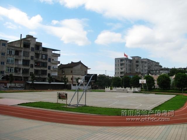 白塘中心小学校园风光