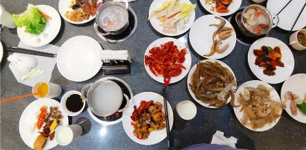 10月份网友聚餐,阳光大酒店半价自助餐搞起